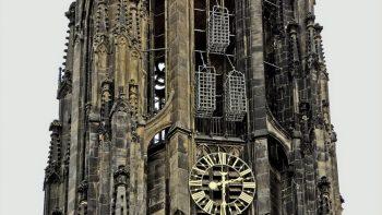 Käfige an der Lambertikirche